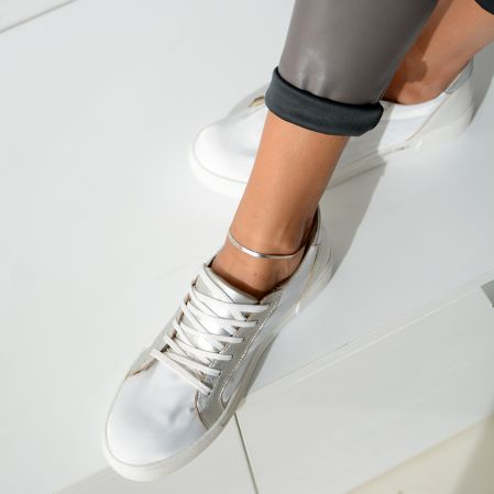 WHITE&SILVER SNEAKERS